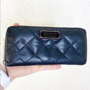 Marc Jacobs quilted leather zip around wallet